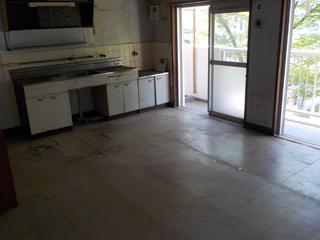 (部屋2)部屋1のリビングキッチンのアフター