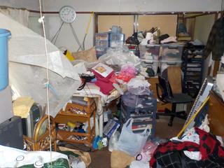 (部屋2)部屋1のリビングキッチンのビフォア