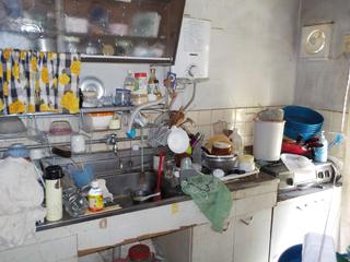 (部屋2)部屋1のキッチンのビフォア