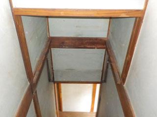 階段上の物置のアフター