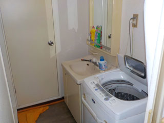 洗面洗濯場のビフォア