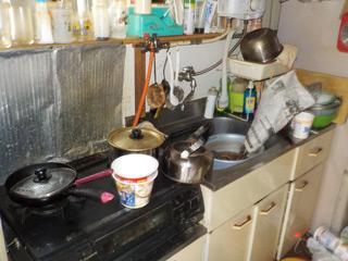 部屋1キッチンのビフォア
