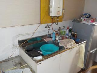 部屋2キッチンのビフォア