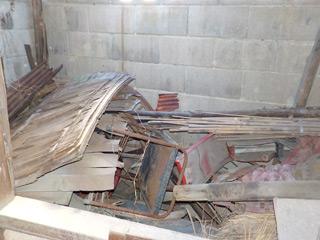 倉庫横の物置のビフォア
