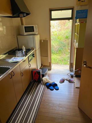 部屋からキッチン側のビフォア