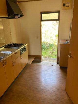 部屋からキッチン側のアフター