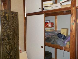 部屋1押入れのビファア