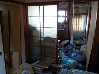 部屋2からキッチン側のビフォア