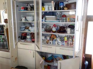 食器棚のビフォア
