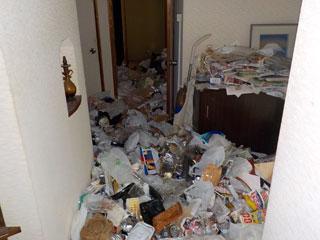 部屋2側の玄関廊下のビフォア