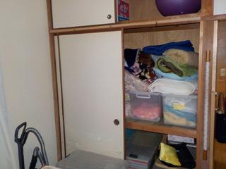 部屋2押入れのビフォア