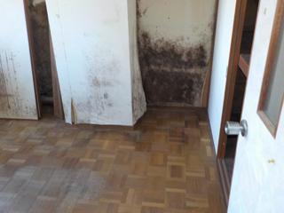 部屋1入口のアフター